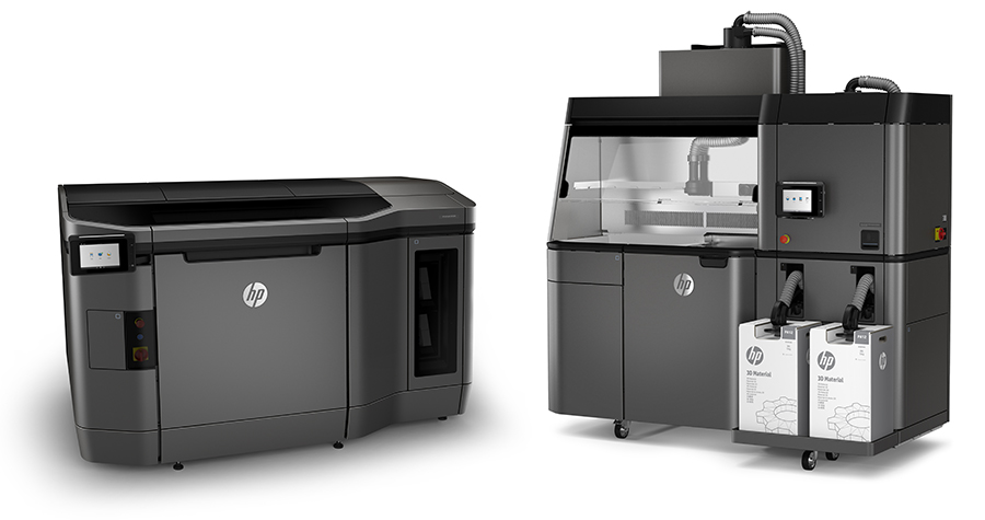 HP Multi Jet Fusion printer and cleaning station
